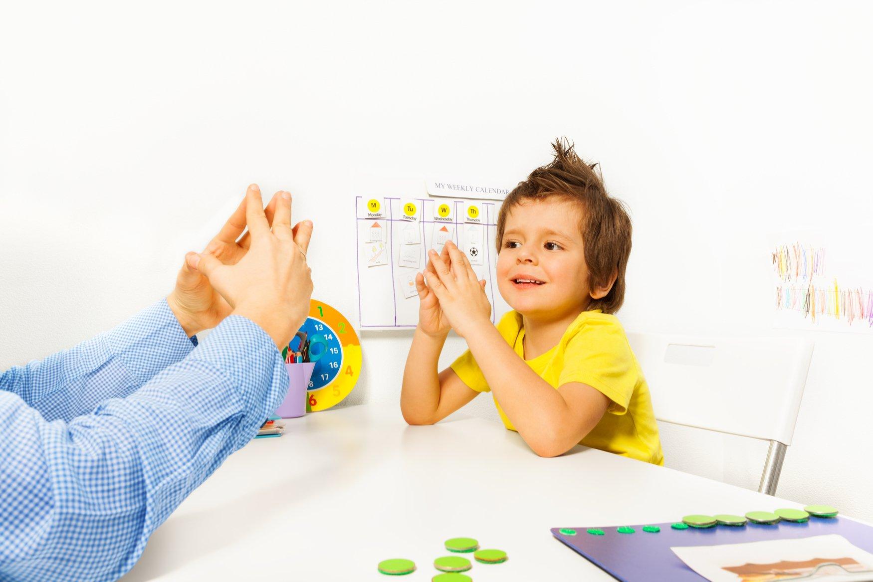 Otizmli Çocuk Bakıcısı